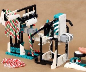 LEGO Candy Cane Catapult