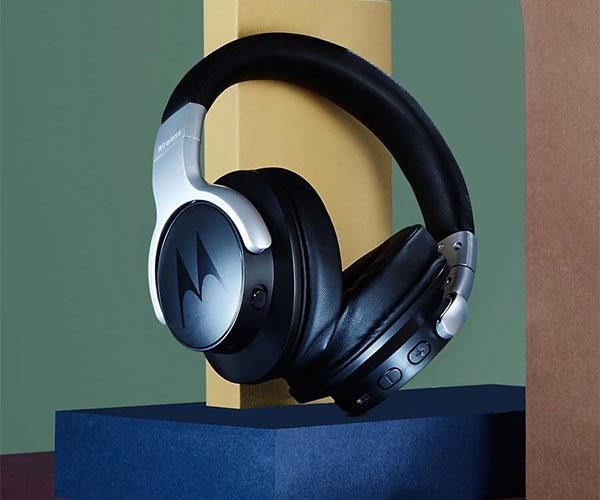 Deal: Motorola Escape 500 ANC Headphones