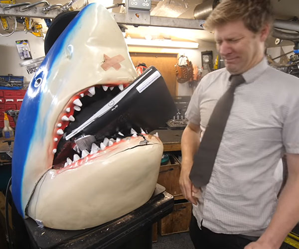 Shark with Hydraulic Jaws