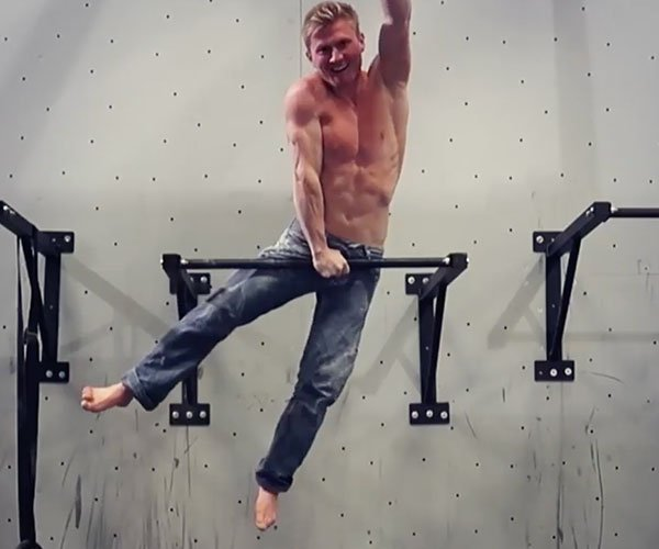 One-arm Muscle-up