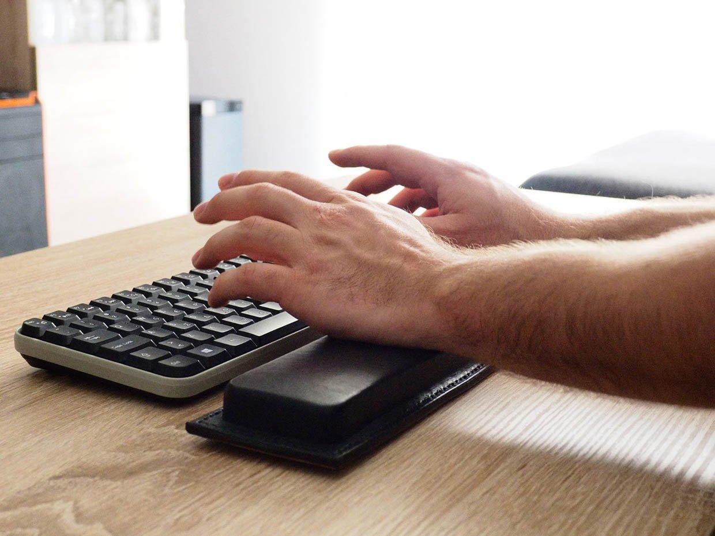 OUSI Leather Keyboard Wrist Rest