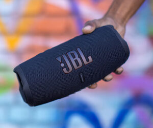 JBL Charge 5 Bluetooth Speaker