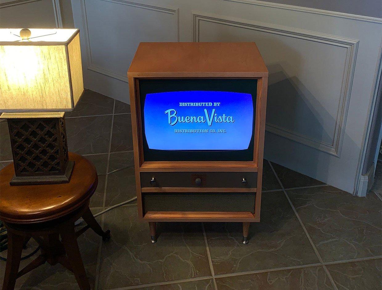 Modern Retro LCD TV Cabinet