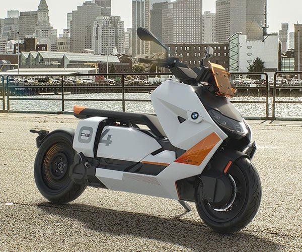 2022 BMW Motorrad CE 04