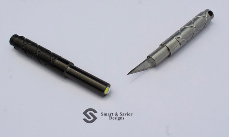 Transforming Flashlight + Utility Knife
