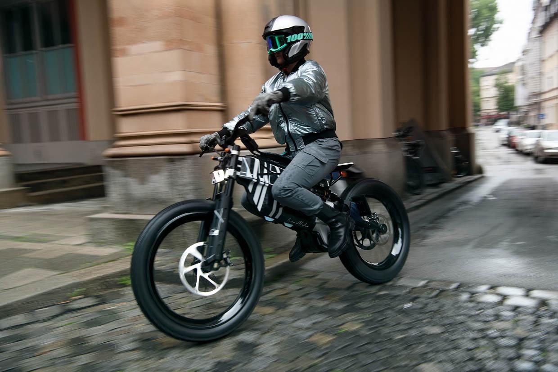BMW Motorrad Vision AMBY Concept