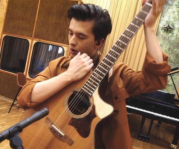 Paganini Fingerstyle