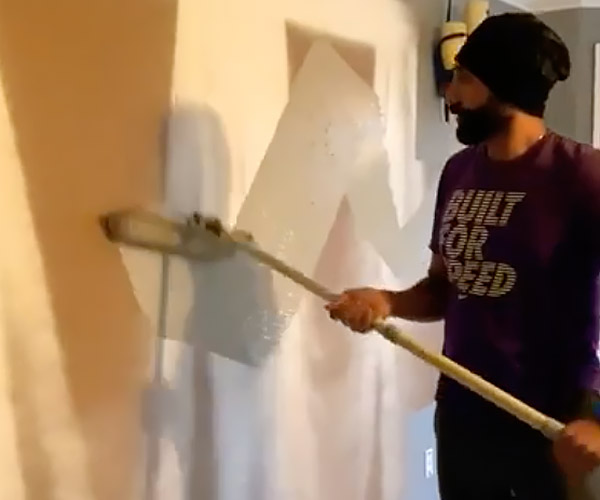 Crazy Fast Wall Painting